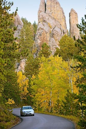 Highlights for a weekend getaway to the Black Hills:  www.midwestliving...