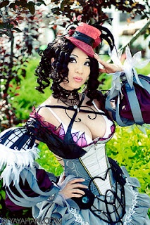 Love Yaya Han's cosplay costume!