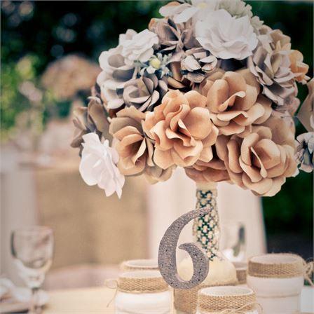 Megan & Daniel's Wedding - The Handmade Flowers #hitchedrealwedding