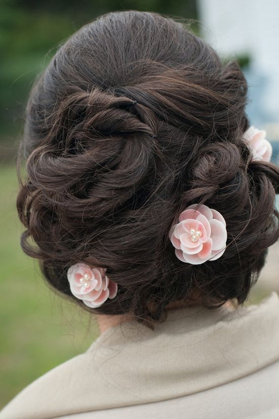 hairstyle. shell accents.