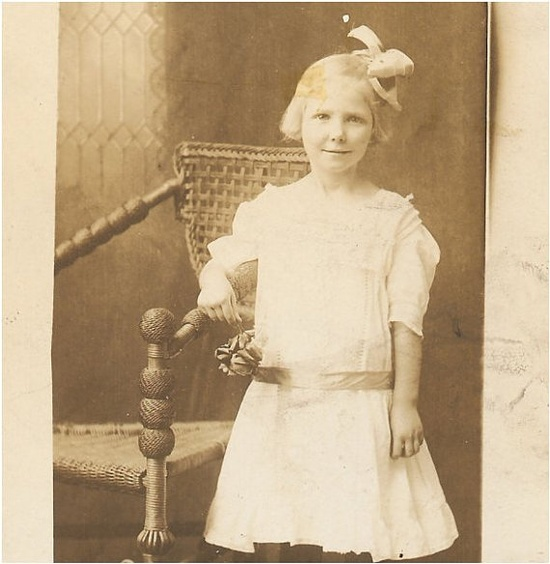 Sweet VINTAGE PHOTO of a a Little Victorian by vintagewarehouse, $2.50