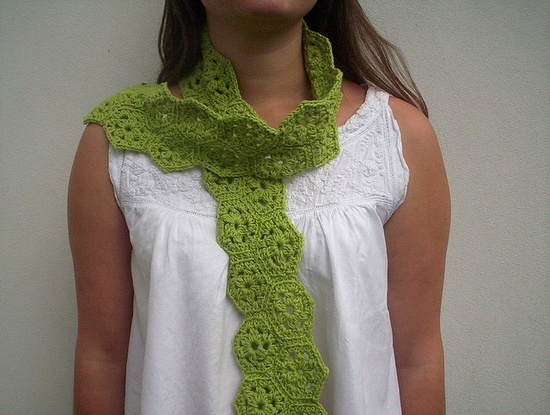 lime green crochet scarf - Made with organic cotton hexagonsbabancat.blogspot.com/2011/07/takes-one-day.html