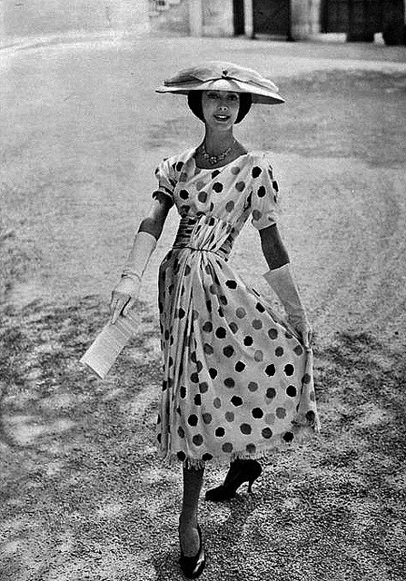 Generously sized, playfully charming polka dots from the summer of 1956. #vintage #1950s #fashion #dress #hat