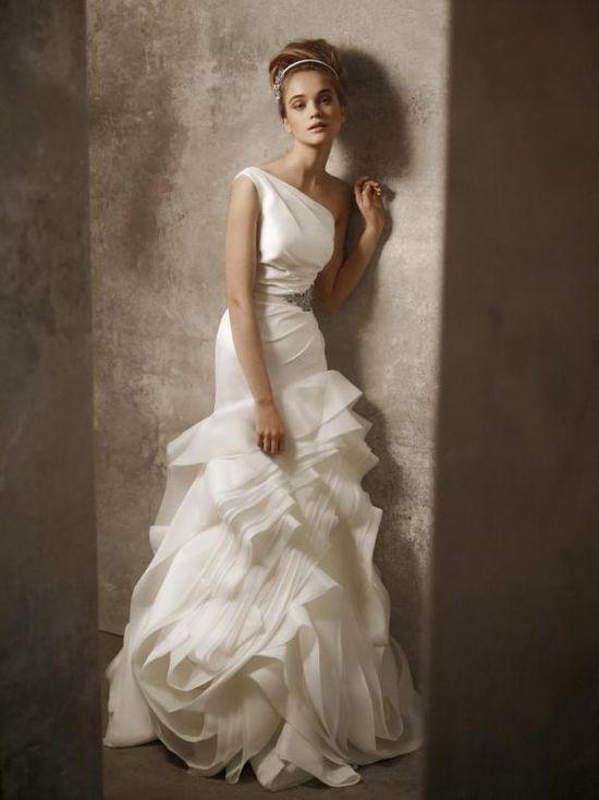 Vera Wang One Shoulder Organza Wedding Gown