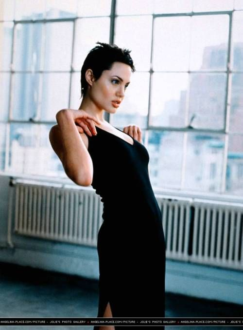 Angelina Jolie, short hair