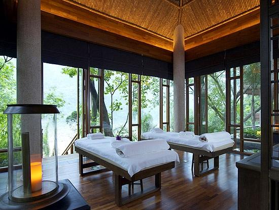 Massage Room at the Brilliant Resort & Spa, Chongqing, China
