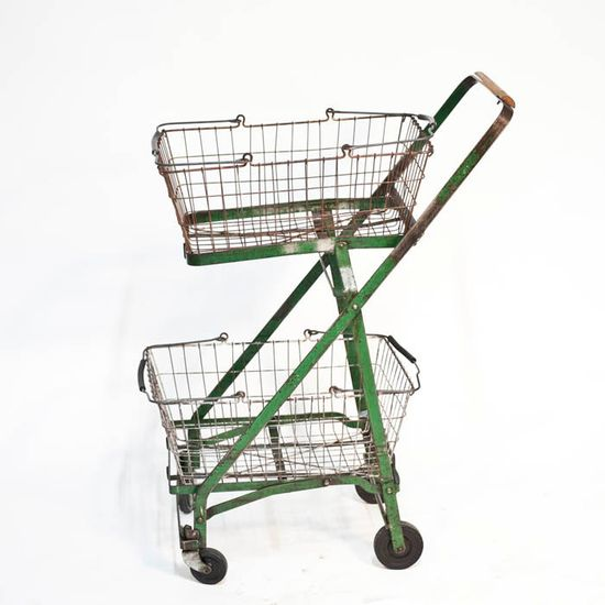 vintage/shopping cart/wire baskets