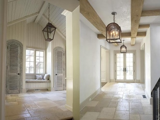 Love the hallway and these lanterns!