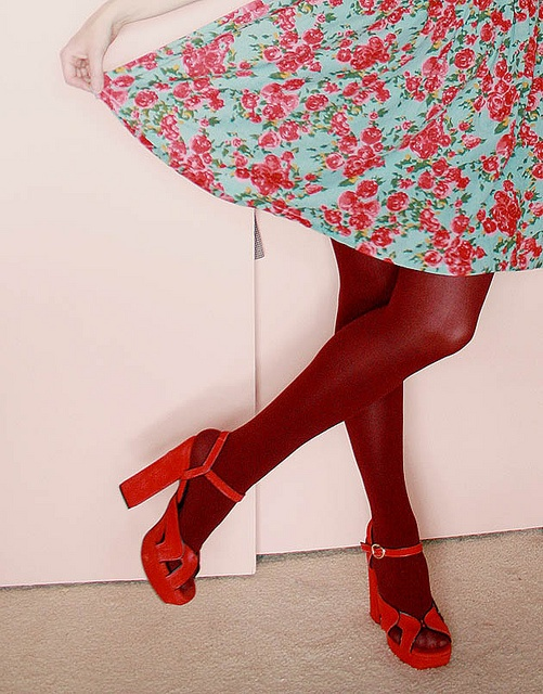I like the style of these cranberry tights with red shoes so much I may have pinned it twice.
