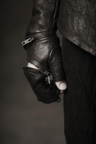Obscur FW11/12 -  versatile gloves