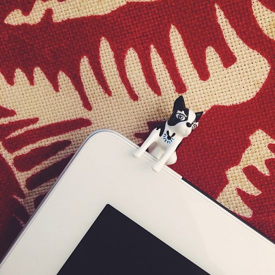 Marc by Marc Jacobs Olive Earphone Pin