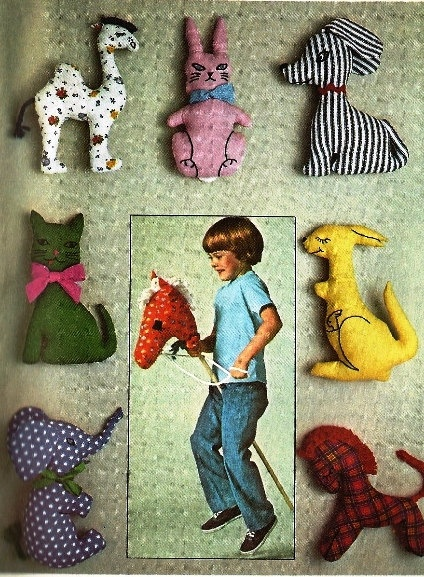 1976 Simplicity Stuffed Animal Pattern, Giraff, Bunny Rabbit, Dog, Puppy, Cat, Kitten, Kangaroo, Elephant, Horse, Pattern 7744