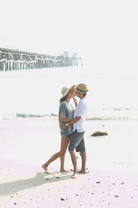 Beautiful beach engagement, Photography by Cakes and Kisses