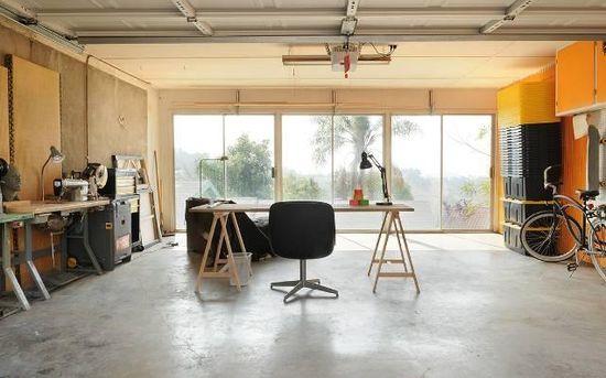 Garage. Great studio/design space.