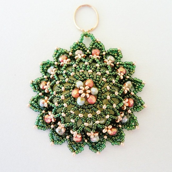 TUTORIAL for Notre Dame Beadwoven Pendant, via Etsy.