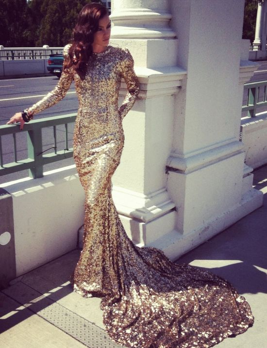 I'm all about those glitter gowns. #Glamour #DIY #FASHION