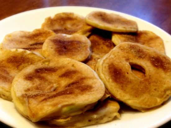 these apple ring pancakes will definitely hit the spot. They are as simple as they sound – simply dip an apple ring in pancake batter, throw it in a pan, and let it cook! You will end up with fresh and fruity pancakes that you can munch on all morning long.