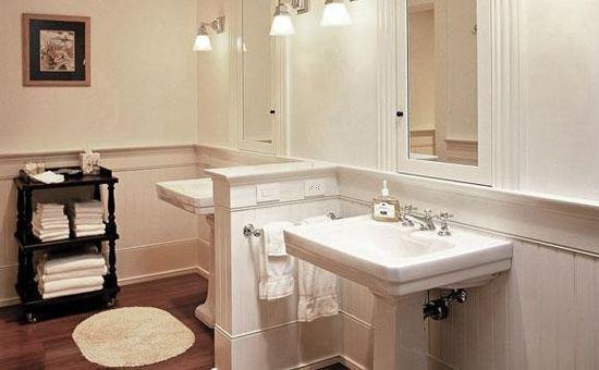 Bathroom design with antique furniture