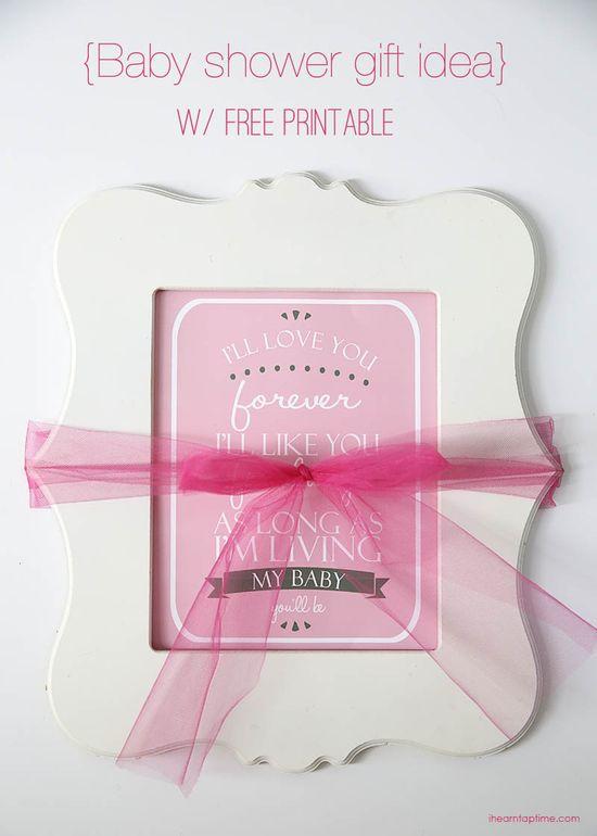 Baby shower gift idea with free printable on iheartnaptime.com #handmadegifts
