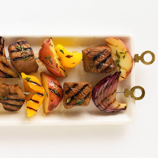 These Steak & Potato Kabobs are ready for your next barbeque! More cookouts that dazzle: www.bhg.com/...