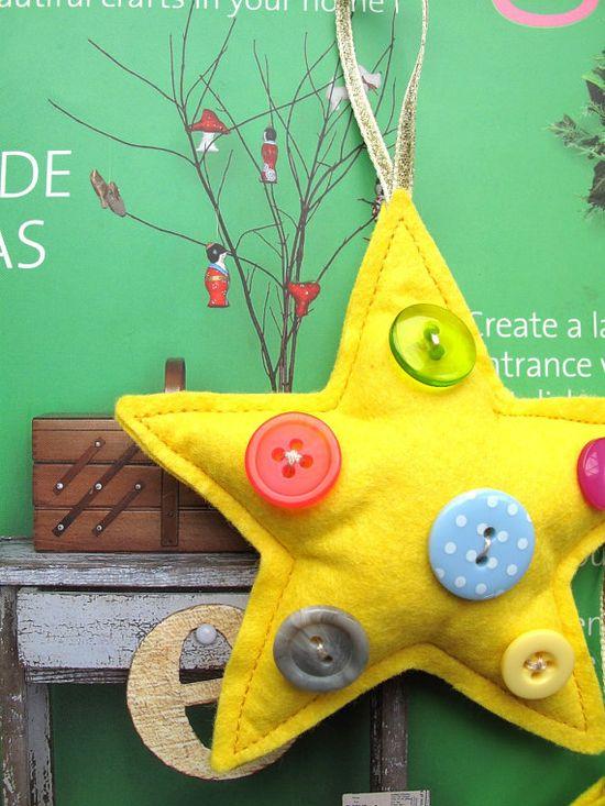 Felt & Button Star Ornament