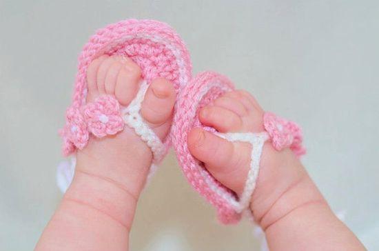 Crochet Flower Flip Flops by GigisCrochetProps on Etsy, $10.00