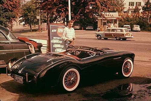 A 1954 Austin Healy sports car