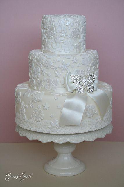 Vintage bridal lace wedding cake