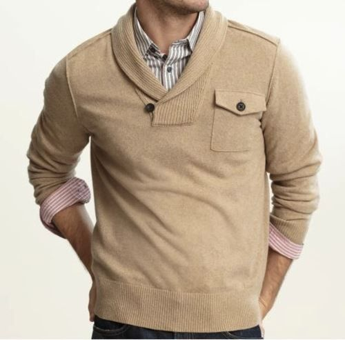 love love love the collar on the sweater.