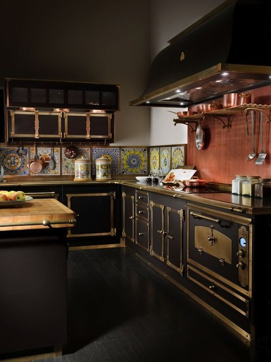 #Black and #brass #color combination in the #kitchen. Love this look, very #steampunk!