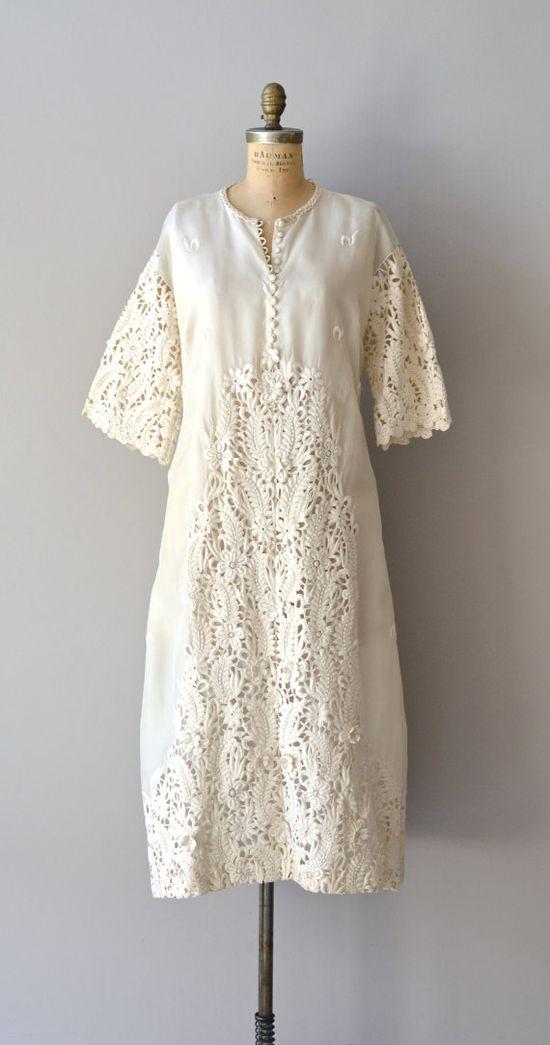1960s wedding dress / lace 60s dress / Daybreak gown