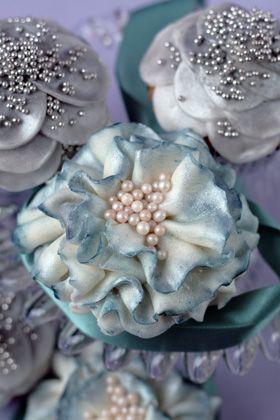 Pearls cupcake