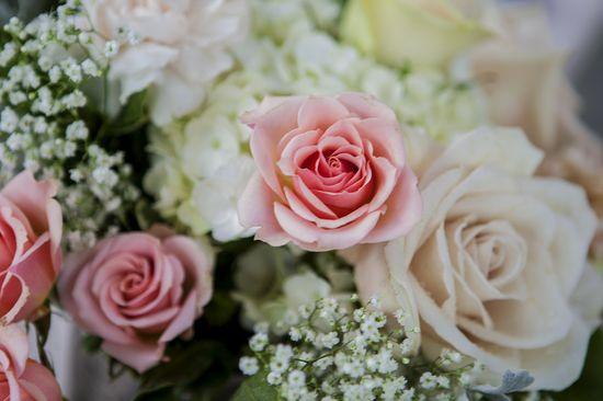 soft romantic wedding flowers