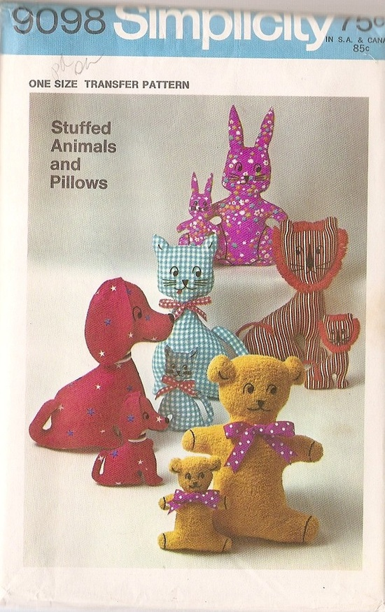 simplicity stuffed animals pattern 1960's (love that lion)