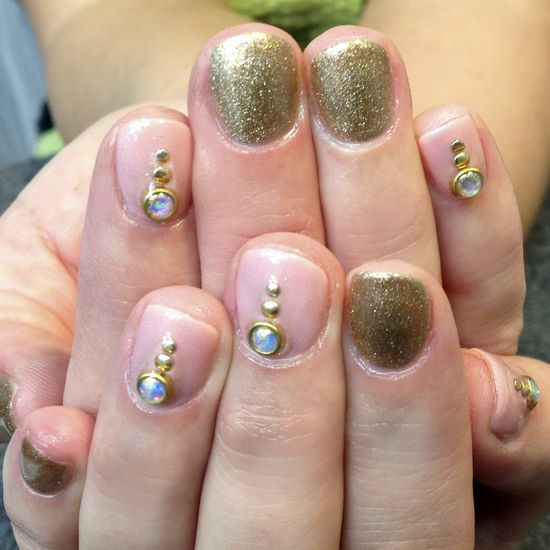 Bridal Nail Art - Nail Art Gallery Magazine nailartgallerymag...