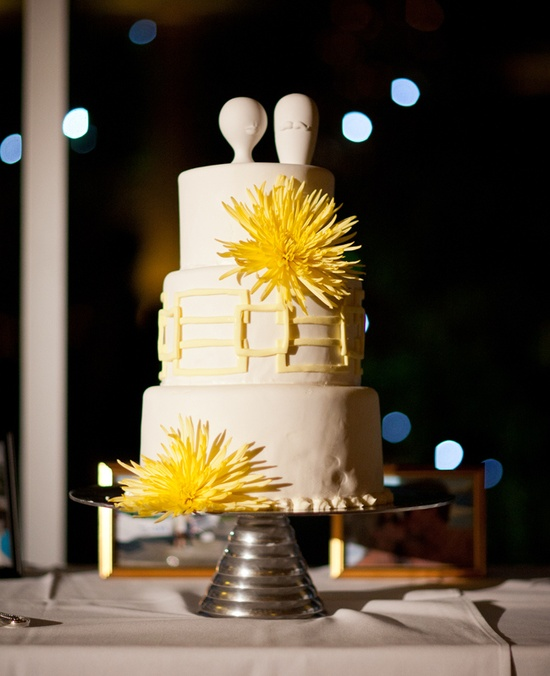 Yellow & White Wedding Cake    #WeddingCakes #Weddings
