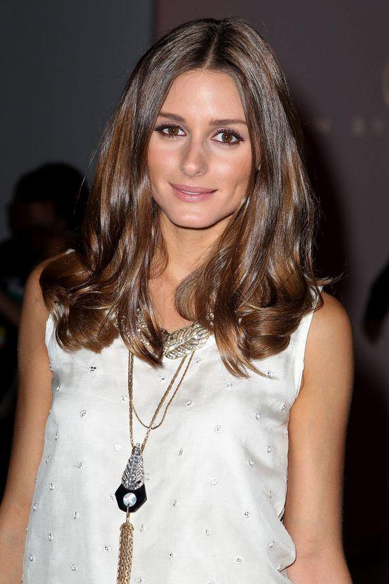 Manual de uso de los tassel: Olivia Palermo con un collar metalizado
