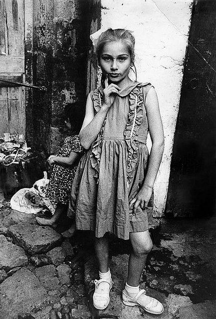 Mary Ellen Mark, rue Child, Trabzon, Turquie 1965