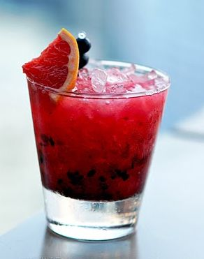 A Berry (Low-Cal) Happy Hour: Tequila Bramble