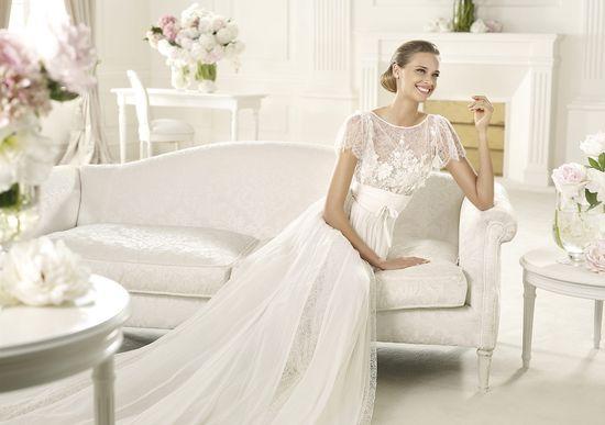 Pronovias presents the Lorraine wedding dress. Elie by Elie Saab 2013.