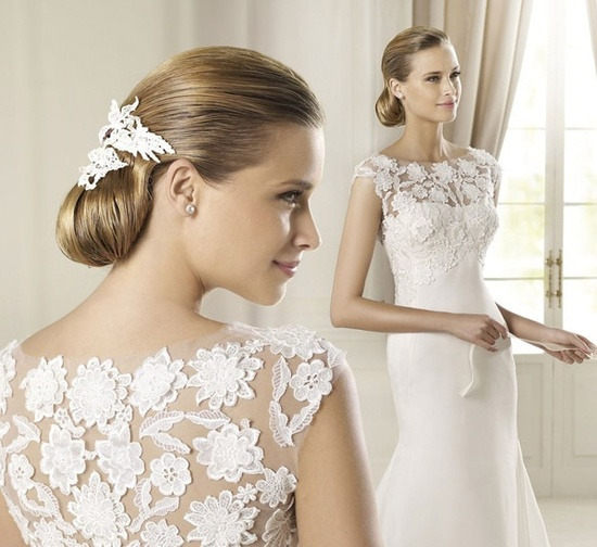 Lace back pronovias 2013