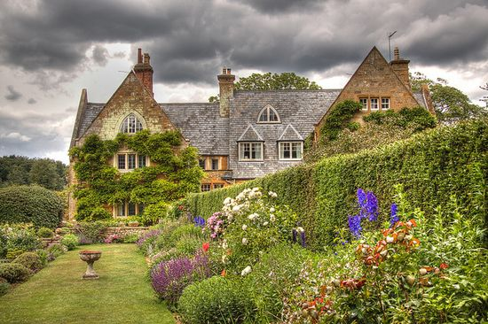 Coton Manor Gardens, Northamptonshire, England.