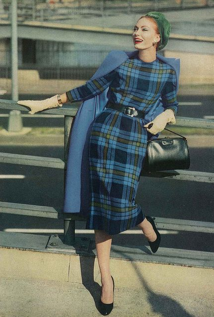 A bold, but in no way loud, blue plaid look from 1957. #vintage #1950s #fashion #blue #plaid #dress