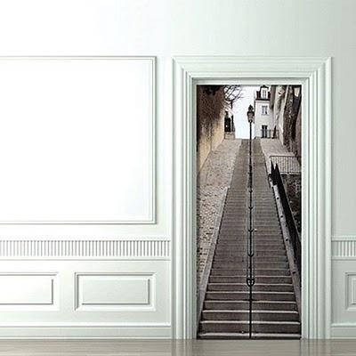3D artwork on door! cool!