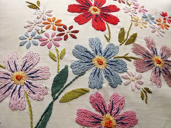 Embroidery Love #embroidery #flowers #vintage