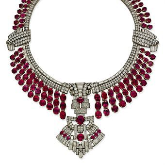 AN IMPRESSIVE ART DECO RUBY AND DIAMOND NECKLACE
