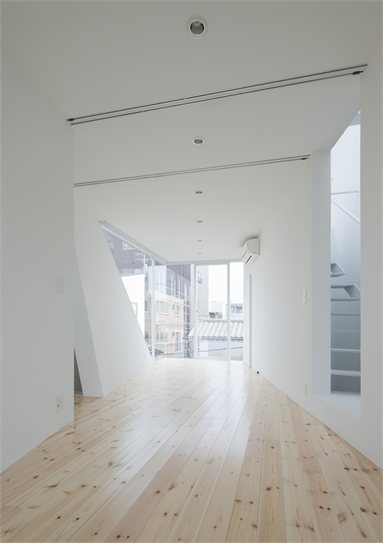 House in Tamatsu - Osaka, Japan - 2012 - Kenji Ido #architecture #japan #interiors #minimal