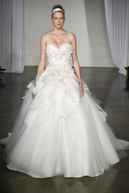 Marchesa Bridal Fall 2013's crazy-romantic new wedding dresses