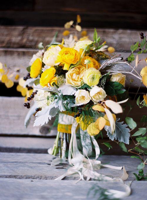 roses, ranunculus, poppies, dusty miller... ah, yellow!!
