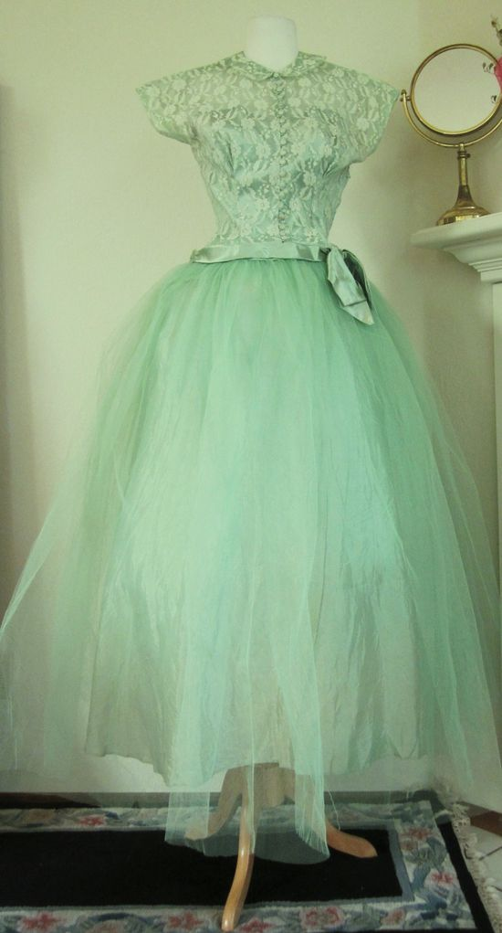 Vintage-50's-Minty Green-Lace--Tulle-Formal-Prom-Party-Gown-S, via Etsy.